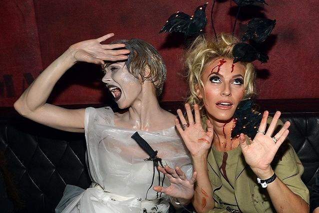 2. Preparate degli inviti spaventosi. Una volta scelto il tema per il vostro  party di Halloween ... fb37d65ceb5a