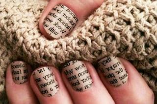 Le unghie della settimana: newspaper manicure