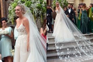 Cristel Carrisi sposa: due abiti bianchi per la figlia di Al Bano e Romina