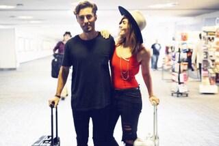 Amy e Brandon: la coppia che rinuncia al matrimonio per girare il mondo insieme