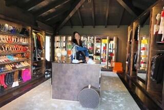 Giorgia Gabriele, fidanzata di Gianluca Vacchi, mostra il suo enorme armadio su Instagram