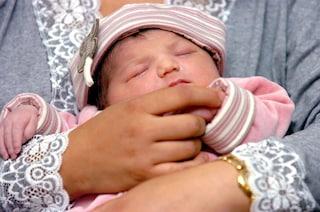 Stanchi delle notti insonni? Arriva la culla che addormenta il neonato in un minuto