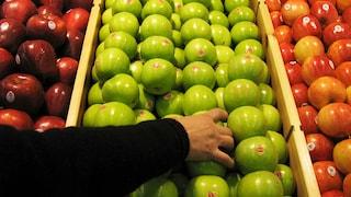 Segue una dieta a base di sola frutta: Belinda dimostra 20 anni in meno
