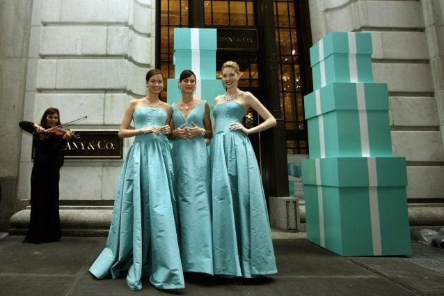 68216dc06169 L azzurro Tiffany o blue Tiffany è il famoso colore associato alla Maison  Tiffany   Co.