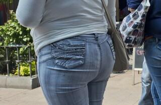 #UnLavoroPerMartina: la parlamentare sostiene la ragazza scartata per il suo peso