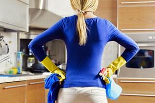 Come pulire e disinfettare gli strofinacci con metodi efficaci e fai da te