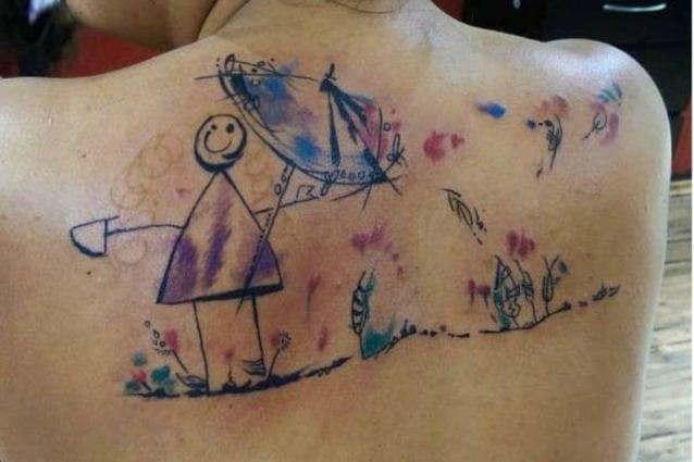 Il Dolce Gesto Dei Genitori I Disegni Dei Figli Tatuati Sul Corpo