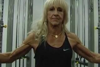A 70 anni è campionessa di body building: Mary è la bisnonna più in forma al mondo