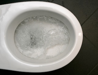 Come pulire la tazza del wc in modo efficace