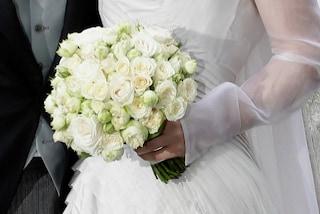 Il matrimonio più bizzarro al mondo: a portare le fedi agli sposi è un orso