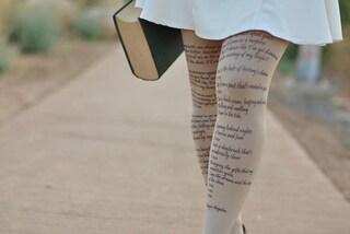 Calze letterarie: arrivano i collant con le citazioni tratte dai libri