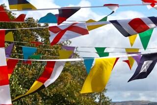 Come fabbricare una bandiera in modo facile e veloce