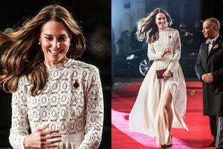 Kate Middleton in versione sexy: lo spacco vertiginoso rivela le gambe
