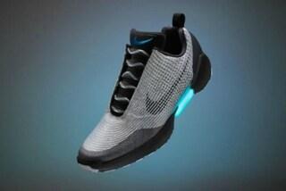 """Arrivano le scarpe autoallaccianti di """"Ritorno al futuro"""", costano 720 dollari"""