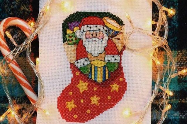 Disegni Di Natale Particolari.Come Realizzare Decorazioni Di Natale Con Il Punto Croce