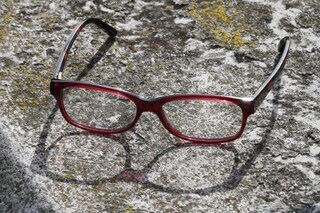 Come rimuovere i graffi dagli occhiali con i rimedi fai da te più efficaci