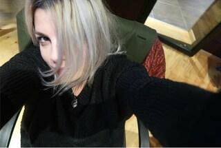 Capelli grigi per Emma Marrone: il nuovo look della cantante