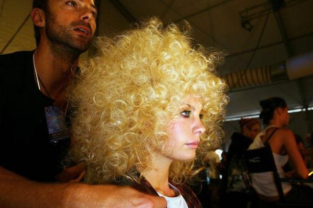 Come usare il diffusore sui capelli corti uomo