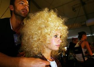Come si usa il diffusore per arricciare i capelli