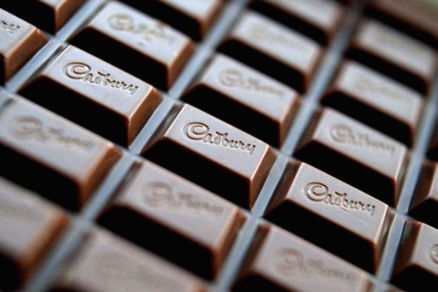 Come togliere le macchie di cioccolato da vestiti e tessuti 410175349528