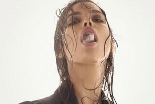 Irina Shayk incinta è sempre più sexy: ghiaccio e seno in mostra sui social
