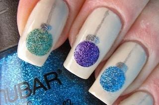 Le unghie della settimana: la manicure con le palline di Natale