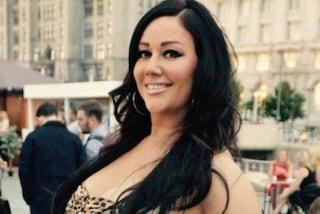 Fuori di seno al mare: dopo essere uscita in perizoma Lisa Appleton dà ancora scandalo