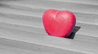 """""""Un cuore non basta"""": la replica dell'Airc alla campagna per combattere il cancro al seno"""