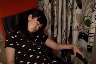 Come smettere di russare: trucchi e consigli per dormire bene
