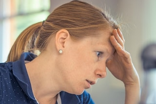 Lo stress mette a dura prova la salute: gli insospettabili disturbi causati dall'ansia