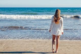Come proteggere i capelli dal sole e dal mare: i consigli per una chioma perfetta