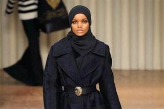 Chi è Halima Aden, la modella che sfila con lo hijab