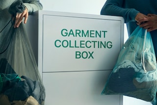 """H&M lancia """"Bring it - Portali da noi"""", l'iniziativa per riciclare gli abiti usati"""