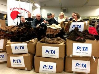 La Peta regala pellicce ai senzatetto in Islanda