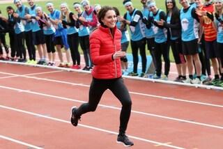 Addio tacchi e cappotti eleganti, ora Kate Middleton indossa piumino e leggings