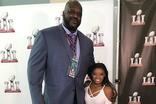 E' alta 140 centimetri e si fotografa con Shaquille O'Neal, la foto fa il giro del web