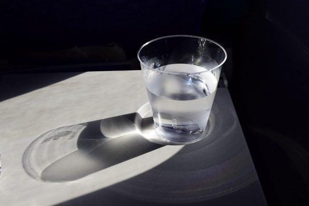 quanta acqua da bere ogni giorno per perdere peso