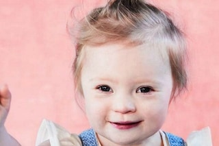 Lily, la bimba con la sindrome di Down diventa modella e cambia il volto della bellezza