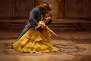 """""""La Bella e la Bestia"""": gli abiti da fiaba indossati da Emma Watson nel film"""