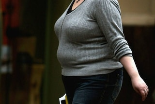 In gravidanza ingrassa talmente tanto che gli amici non la riconoscono, oggi ha perso 50 kg
