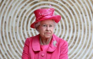 """La dieta """"reale"""" della longevità: cosa mangia Elisabetta II per tenersi in salute a 90 anni"""