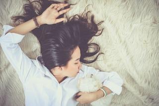 Fingere di sbadigliare, una delle regole per dormire meglio