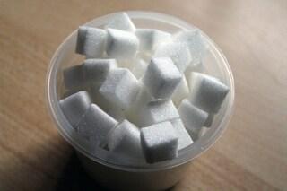 Aggiungi un cucchiaino di zucchero allo shampoo, il risultato ti stupirà