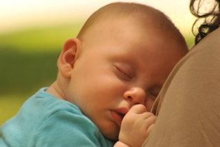 Tate della nanna: insegnano al neonato a dormire