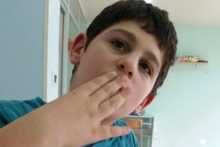 """""""Sono autistico e vivo così la mia vita"""": la lettera del bimbo di 12 anni commuove il web"""