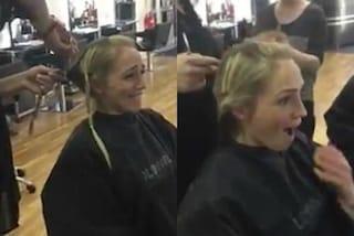 Si taglia i capelli prima della chemioterapia e li dona ai bambini malati di cancro