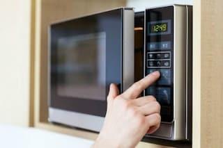 Tutti i cibi che non si possono cucinare nel microonde