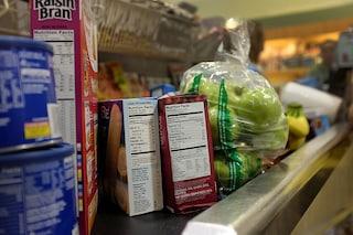 Etichette alimentari: come leggerle per scegliere gli alimenti giusti
