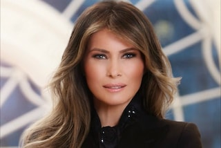 La prima foto ufficiale di Melania Trump: la First Lady sceglie un look total black