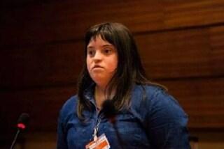 """""""Non sono malata"""": Charlotte difende i diritti delle persone con la sindrome di Down"""